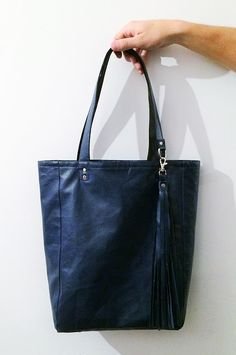 Handmade leather tote bag by buntcolor