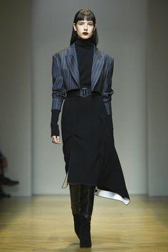 Aquilano Rimondi Fashion Show Ready to Wear Collection Fall Winter 2017 in Milan