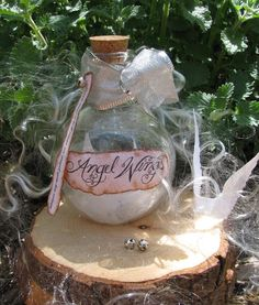 Angel wings are so extraordinarily delicate and beautiful, they need to be kept in a very special place, and this bottle is perfect!