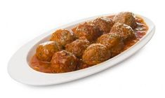 This meatballs in Spanish sauce recipe is a different way of preparing this traditional dish while packing on more beneficial nutrients. Sauce Recipes, New Recipes, Favorite Recipes, Spanish Sauce Recipe, Tasty Meatballs, Ground Meat Recipes, Carne Picada, Easy Delicious Recipes, Onions