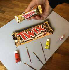 Twix Chocolate Realistic art 600600 via /r/Art. Candy Drawing, 3d Art Drawing, Drawing Skills, Drawing Techniques, Drawing Ideas, Realistic Pencil Drawings, 3d Drawings, Chocolate Drawing, Twix Chocolate