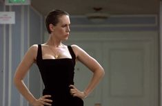 Jamie Lee Curtis in True Lies – Play it Again, Dan Jamie Lee Curtis Young, Actrices Sexy, Janet Leigh, Betty White, Celebrity Red Carpet, Celebrity Style, Famous Celebrities, Jennifer Aniston, Showgirls