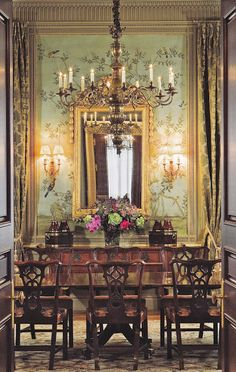 see all photos here Eye For Design: Classically Elegant Chinoiserie Elegant Dining Room, Beautiful Dining Rooms, Dining Room Design, Classic Dining Room, Classic Decor, Classic Interior, Classic Style, Beautiful Interiors, Beautiful Homes