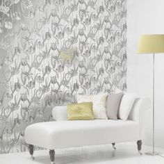Chivasso offers a wide range of modern and extraordinary wallpaper collections. Metallic Wallpaper, Colorful Wallpaper, Gray Interior, Interior Design, Home Bedroom, Master Bedroom, Bedrooms, Inspired Homes, Accent Decor