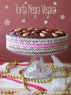 La Torta Negra típica de Navidad en algunos países de Latinoamérica, pero en versión vegana