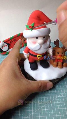 Christmas Cake Designs, Clay Christmas Decorations, Polymer Clay Christmas, Cute Polymer Clay, Diy Clay, Polymer Clay Crafts, Christmas Wood Crafts, Christmas Ornaments, Clay Crafts For Kids