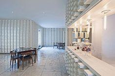 A Simple Brick Interior / Pencil Office