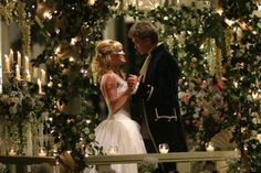 Still of Hilary Duff and Chad Michael Murray in A Cinderella Story (2004) http://www.movpins.com/dHQwMzU2NDcw/a-cinderella-story-(2004)/still-1241291008