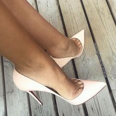 """556 Likes, 5 Comments - Annshoe (@annshoe) on Instagram: """"The return of my love @italianfashionista  #louboutin #pigallefollies #nudepatent #pumps…"""""""