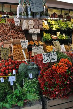 """Rialto Market P.s....from cheek to cheek , and.....Oh ! complemened with """"krasunä""""...:)Lads don´t chut ;) ? ha-ha :))))"""