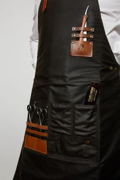Savills-Deluxe-Barber-Apron-mid-section.jpg 800×1,200 ピクセル