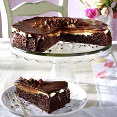 Brownie-Krokant-Tarte Rezept | LECKER