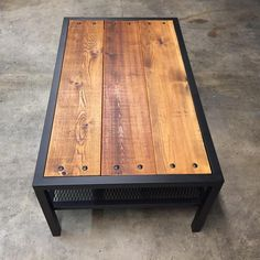 Cet article n'est pas disponible - Expolore the best and the special ideas about Modern industrial Welded Furniture, Industrial Design Furniture, Iron Furniture, Steel Furniture, Rustic Furniture, Furniture Design, Modern Industrial, Industrial Table, Furniture Vintage