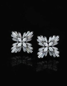 Anuradha Art Jewellery Presents Wonderful Collection of Diamond Earrings. Anuradha Art Jewellery Presents Wonderful Collection of Diamond Earrings. Modern Jewelry, Jewelry Art, Fine Jewelry, Jewellery Box, Jewellery Shops, Vintage Jewelry, Handmade Jewelry, Jewelry Making, Jewellery Earrings
