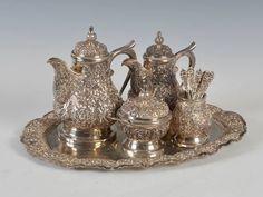 Tea Set em prata do sec.19th, 2100GMS, 2,610 USD / 2,330 EUROS / 8,160 REAIS / 17,280 CHINESE YUAN