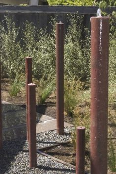 steel pipes as fountains and art. recirculate water under the stones steel pipes as fountains and ar Water Fountain Design, Bamboo Fountain, Modern Fountain, Fountain Ideas, Indoor Fountain, Concrete Fountains, Garden Water Fountains, Water Garden, Solar Fountains