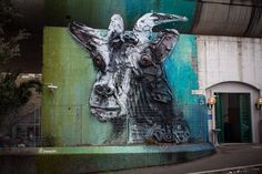 Behind the scenes of Bordalo II's first mural in Rome #streetart || Read my blogpost here: http://www.blocal-travel.com/rome-sweet-home/bordal-ii-in-rome/