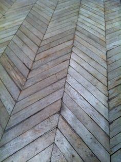 <3 <3 <3 Fish bone wood floor
