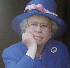 "Prince George to the Queen: ""I feel ya, Gan-gan. Princess Margaret, Princess Kate, Princess Charlotte, English Royal Family, British Royal Families, Queen Hat, Queen Queen, Prince Charles And Diana, Prince Philip"