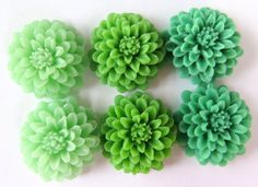 6PCS  Mixed Greens  Resin  Mum Flower Cabochons  20mm  by ZARDENIA