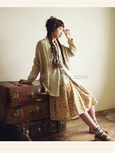 Ivy has sort of a Mori girl style. Lots of earth tones, lace, and oversized pieces. Mori Girl Fashion, Modest Fashion, Mori Mode, Where To Buy Clothes, Countryside Fashion, Mori Style, Vogue, Forest Girl, Romantic Outfit