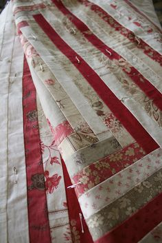 Love the fabric, colors and pattern..  http://artfulife.blogspot.com/2012/03/happy-tuesday.html