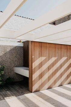 Nouvelle vie pour une maison de vacances en Espagne par MESURA - Journal du Design