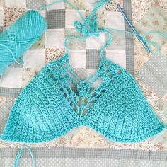 I made a new mermaid top for my fin that I'm redoing. I found this pattern online and kinda winged it. I'll be making more for my shop soon.  #mermaidtop#mermaidbra #crochettop#crochetbra#crochetswimwear #fairies #mermaids#imactuallyamermaid #crochet #itsbeenawhile #quilt#iwantsummer #dayoff#accomplishments #whatihavetoshowforit by kiradesa