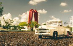 Foto hecha en el parque olimpico de la ciudad de Matamoros, #ford escala 1/18 #diecastphotography