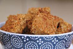 Hawermoutkoekies alias oat crunchies alias oat meal biscuits – sugar on toast Crunchie Recipes, Baking Recipes, Cookie Recipes, Pizza Recipes, 3 Ingredient Cookies, Sweet Tarts, Something Sweet, Tray Bakes, Sweet Recipes