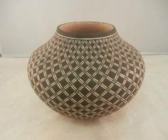 New eyedazzler pot by #Acoma potter Paula Estevan