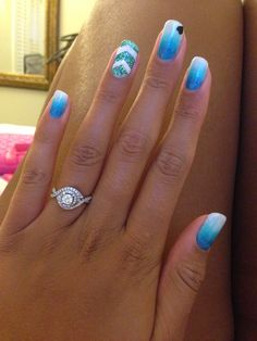 Vacation Nails #Ombre #Blue #Sparkles