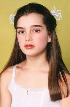Picture of Brooke Shields Brooke Shields Pretty Baby, Brooke Shields Young, Most Beautiful People, Pretty People, Young Fashion, 80s Fashion, Brooke Shields Jovem, 90s Grunge Hair, Cindy Kimberly