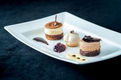 Trio of Dessert, Tiramisu', Profiterole and Chocolate Mousse. Dessert Trio, Trio Of Desserts, Dessert Table, Dessert Ideas, Fun Desserts, Dessert Recipes, Dessert Shooters, Plate Presentation, Sugar Pie