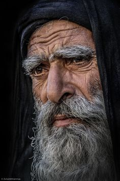 weathered (Zuhair Al Shammaa) Man Photography, Figure Photography, Muslim Beard, Drawing The Human Head, Old Age Makeup, Old Man Portrait, Facial Expressions Drawing, Old Man Face, Face Study