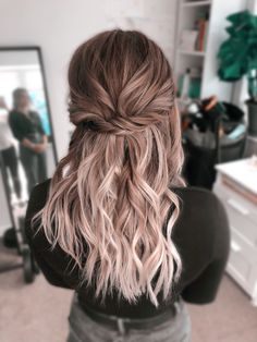 Long Hair Wedding Styles, Wedding Hairstyles For Long Hair, Long Hair Styles, Prom Hairstyles, Hair Down Prom Styles, Hairstyles For Weddings Bridesmaid, Bride Hairstyles For Long Hair, Hairdos, Bride Hair Down