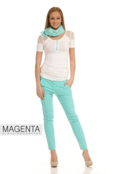 Viscose T-shirt with mint coloured trousers and scarf Capri Pants, Trousers, Spring, T Shirt, Color, Fashion, Trouser Pants, Supreme T Shirt, Moda