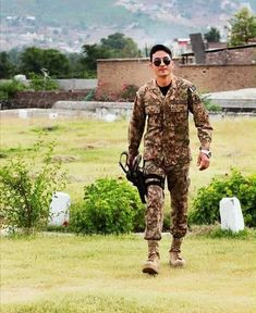 Pak Army Soldiers, Pakistan Armed Forces, Best Army, Pakistan Zindabad, Handsome, Actresses, Couples, Wallpapers, Cute