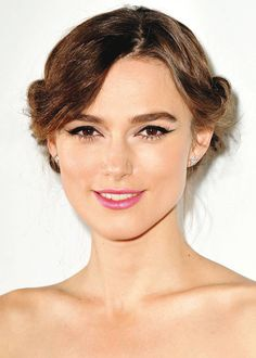 Black eyeliner and pink lips - Keira Knightley