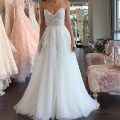 A-line Popular Beach Wedding Dresses, Fashion Appliqued Bridal Dress BDS0018