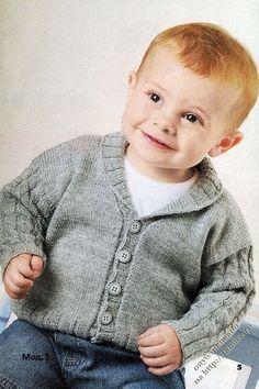 вязаный жакет с косами для мальчика