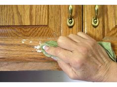 how to clean grease from kitchen cabinet doors - Cleaning Kitchen Cabinet Doors