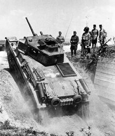 Turan I – Hungarian medium tank of the Second World War Ww2 Photos, Defence Force, Ww2 Tanks, Military Equipment, Modern Warfare, Panzer, Armored Vehicles, World War Two, Military Vehicles