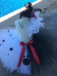 Cruella Deville inspired Halloween Tutu by … Halloween Tutu Costumes, Disney Costumes, Costume Ideas, Cruella Deville Costume, Villains Party, Disney Marathon, Homecoming Week, Halloween 2016, Pageant Wear
