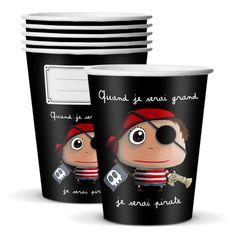 """Gobelets """"Quand je serai grand, je serai Pirate"""" - Le Coin des Créateurs #isabellekessedjian #lecoindescreateurs #feteenfant #decoanniversaire #guirlande #fanions"""