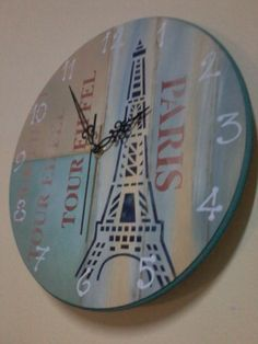 Reloj Torre Eifel,hecho por Zimek artesanias. Stencil Art, Stencils, Diy Clock, Clock Wall, Decoupage, Concrete Crafts, Vintage Wood, Hobbies And Crafts, Chalk Paint