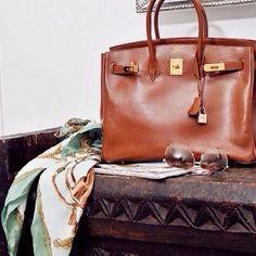 Hermès Birkin Handbag, hardware gold.