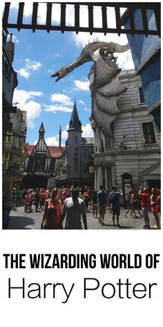 An honest review of my experience at The Wizarding World of Harry Potter. Mostly good... but a few disappointments too. | thehungrytravelerblog.com