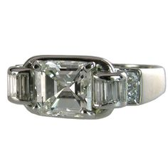 7b57302c0547 1930 s Art Deco engagement ring with a 1.77ct I-VS1 emerald cut diamond  center