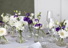 Kanskje dette er en ide hvis du har guttekonfirmant i huset? Table Arrangements, Diy Wedding, Glass Vase, Bridal Shower, Fest, Plants, Inspiration, Home Decor, Flower Arrangements